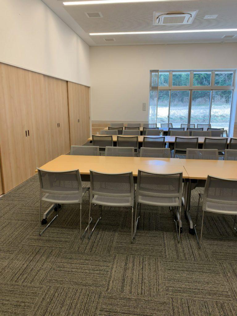 橘ふれあい公園体験学習施設テラス・サンサン多目的室1椅子
